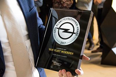 foto van klanttevredenheid award team opel woerden